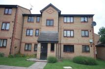 Flat to rent in Chestnut Road, Vange...