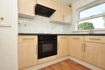 2 bed Apartment to rent in Uplands Close, London...