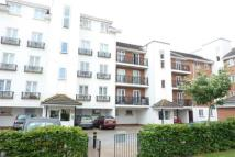 Flat to rent in Hermitage Close, London...