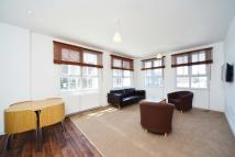 3 bedroom Flat in Craven Park Road, London...