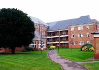 Apartment for sale in Newsholme Drive, London...