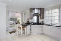 2 bed Flat to rent in Blackburnes Mews, Mayfair