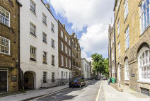 Flat to rent in Old Gloucester Street...