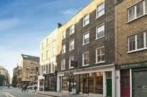 Flat in Shelton Street...
