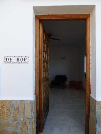 Apt. entrance