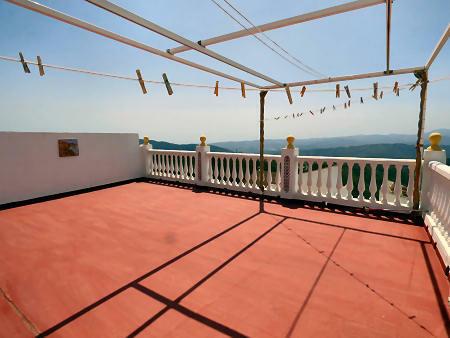 V. large terrace
