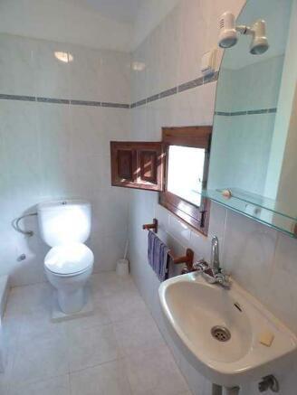Apt. bathroom
