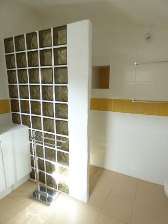 6th bathroom