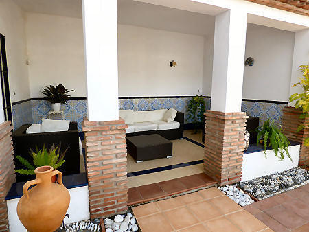 2nd covered terrace