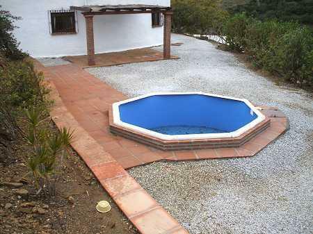 Dipping pool