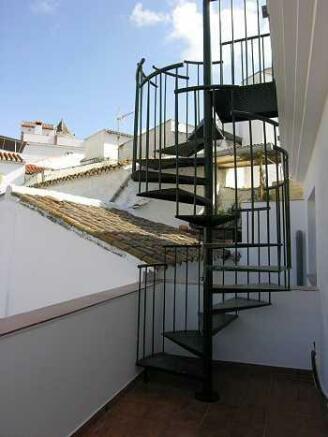 access upper terrace