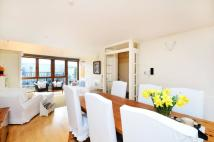 3 bed house in Opera Court, Holloway...