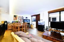 2 bed property in Newbury Mews...