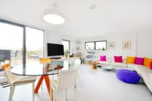 Flat to rent in Oval Road, Camden, NW1