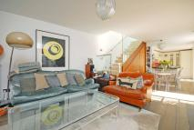2 bed property in Regents Park Road...