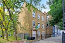 2 bed Flat in Highgate Hill, Highgate...