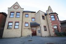 Flat to rent in Pell Court, Green Walk...