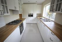 4 bedroom semi detached property to rent in Broad Oak, Woodford Green