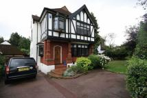 4 bed property in Princes Avenue...