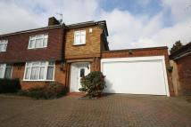 4 bed semi detached home to rent in Worcester Crescent...