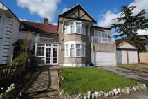 5 bedroom semi detached house in Lincoln Gardens, Ilford