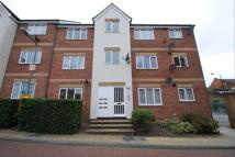 Flat to rent in Fenman Gardens, Ilford