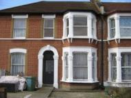 Flat to rent in WOODLANDS ROAD, Ilford