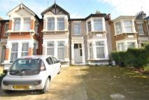 3 bedroom Flat for sale in Courtland Avenue, Ilford