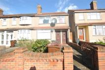 1 bed Flat to rent in Western Avenue, Dagenham