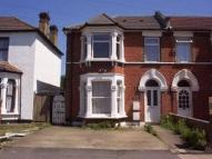 Apartment to rent in Richmond Road, Ilford
