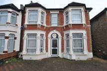 1 bed Flat to rent in Grosvenor Road, Ilford