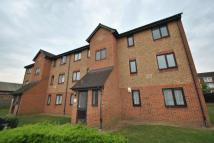 Flat in Plumtree Close, Dagenham