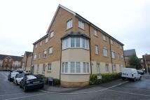 Flat to rent in Genas Close, Ilford