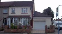 Flat to rent in Staines Road, Ilford