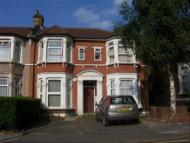 1 bedroom Flat in 24 Elgin Road...