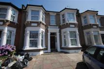 Flat to rent in Empress Avenue, Ilford