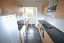 Flat to rent in Pershore Close, Ilford