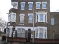 2 bed Flat to rent in Cann Hall Road...
