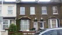 3 bedroom Terraced house in Albert Square, Stratford...