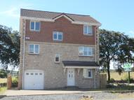 Detached house to rent in Orchard Grove, Maddiston...