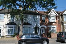 Flat to rent in Leonard Road, London