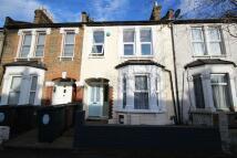 Flat to rent in Callis Road, Walthamstow...