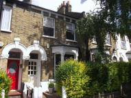 Terraced house to rent in Woodbury Road, London