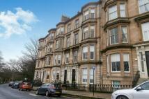 Flat to rent in Park Quadrant, Glasgow...