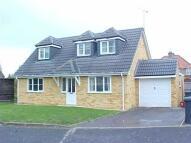 4 bedroom property to rent in Royston Close, Tilehurst...