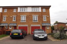3 bed house to rent in Bedford