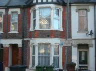 House Share in Double Rooms Available...