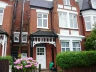 2 bed Apartment to rent in Fairlawn Avenue...