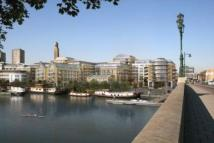3 bed Apartment in Kew Bridge Road...
