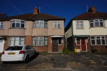 property to rent in Kneller Gardens...